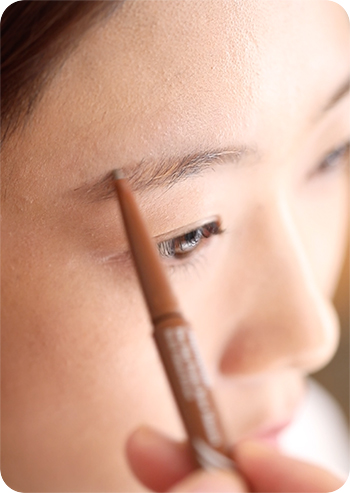 Two Step Perfect Brow Powder drawing eyebrows step 1
